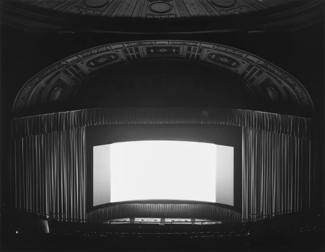 hiroshi-sugimoto-theatres-02